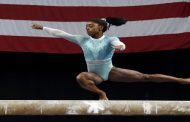 SIMONE BILES SHOWS UP AND SHOWS OUT AT U.S. GYMNASTICS