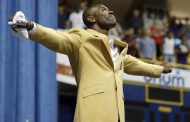 TERRELL OWENS' DIVA ACT COST HIM A SPECIAL MOMENT